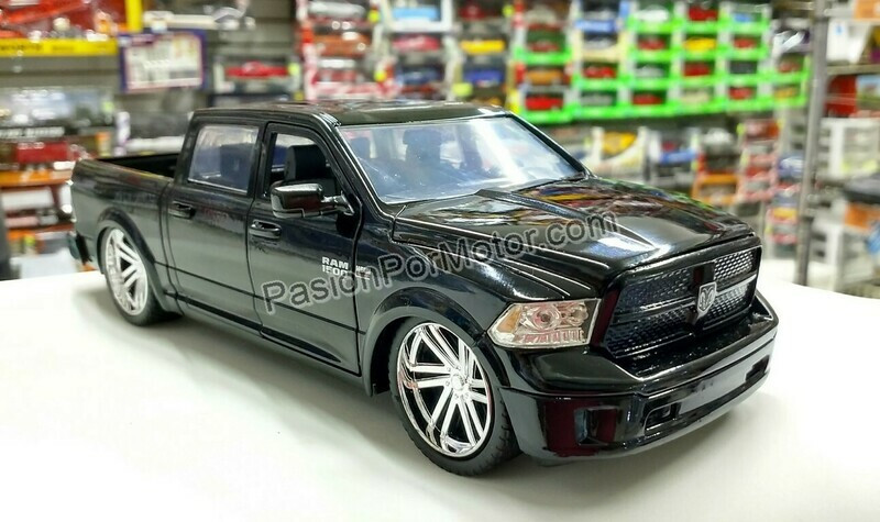 1:24 Ram 1500 Custom 2014 Negro Brillante Jada Toys  Just Trucks Dodge Pick Up C Caja