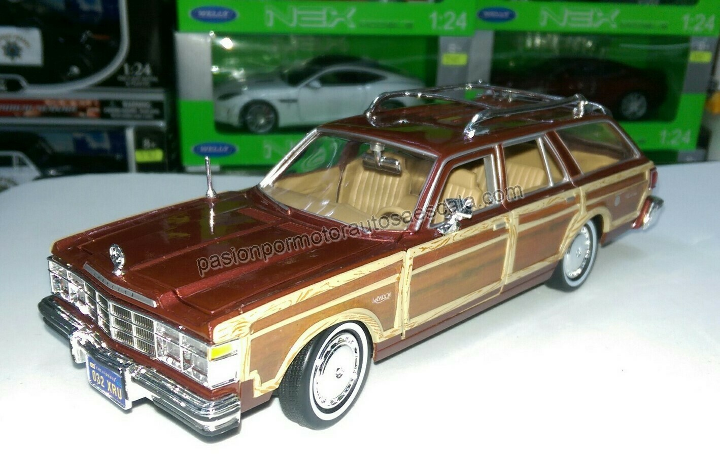 1:24 Chrysler Lebaron Town Country 1979 Cafe Guayin Wagon Motor Max En Display / a Granel