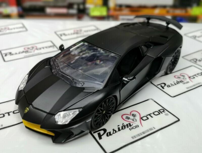 1:24 Lamborghini Aventador LP750-4 SV Negro Mate Jada Toys Hyper Specs En Display / A Granel