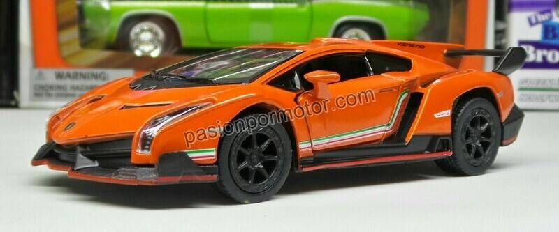 1:36 Lamborghini Veneno 2013 Naranja Kinsmart En Display a Granel 1:32