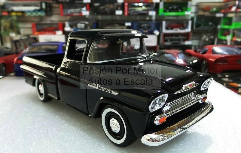 1:24 Chevrolet Apache 1958 Pick Up Negro Motor Max C Caja