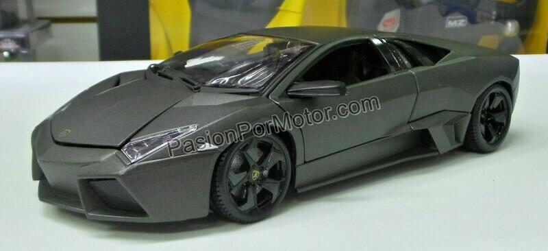 1:18 Lamborghini Reventon 2007 Gris Mate Bburago