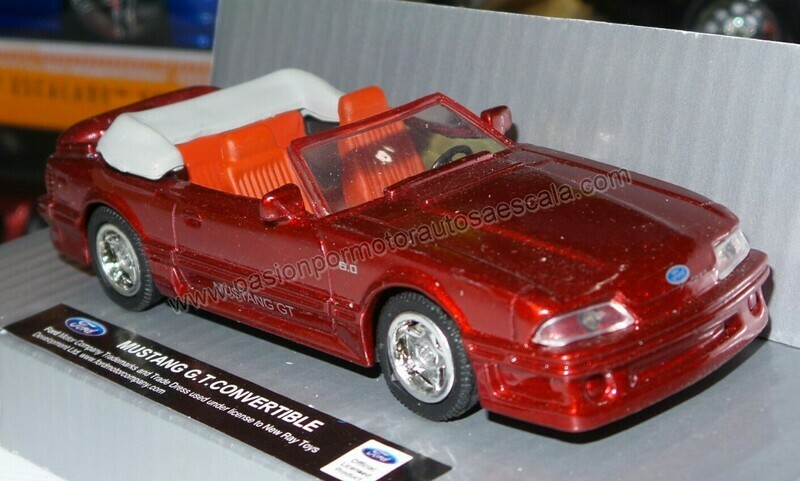 1:43  Ford Mustang GT Convertible 1987 Rojo Fox New Ray