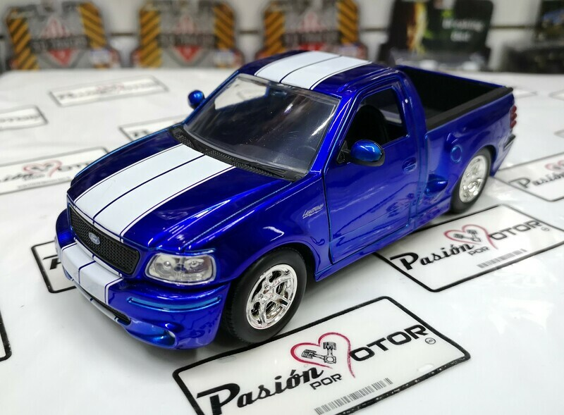 1:24 Ford F-150 SVT Lightning 1999 Azul Franjas Blancas Jada Toys Just Trucks En Display / A Granel