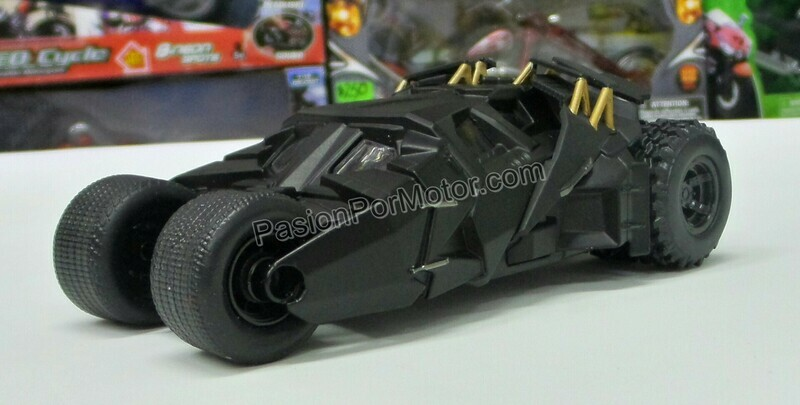 1:32 / 1:43 Batimovil The Dark Knight 2005 Batman Jada Toys Metals DC Comics En Display / A Granel