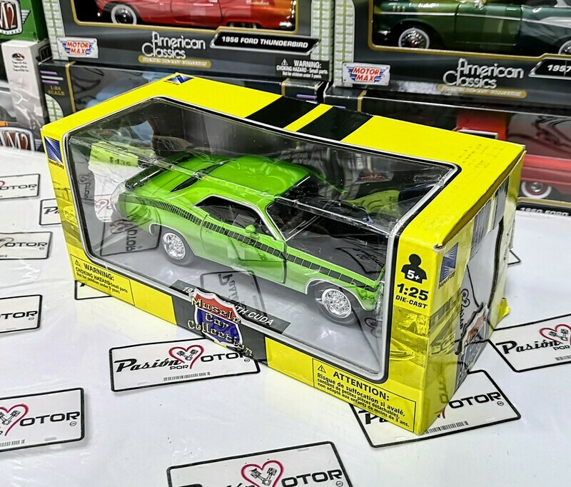 1:25 Plymouth Cuda 1970 Verde New Ray Muscle Car Collection C Caja