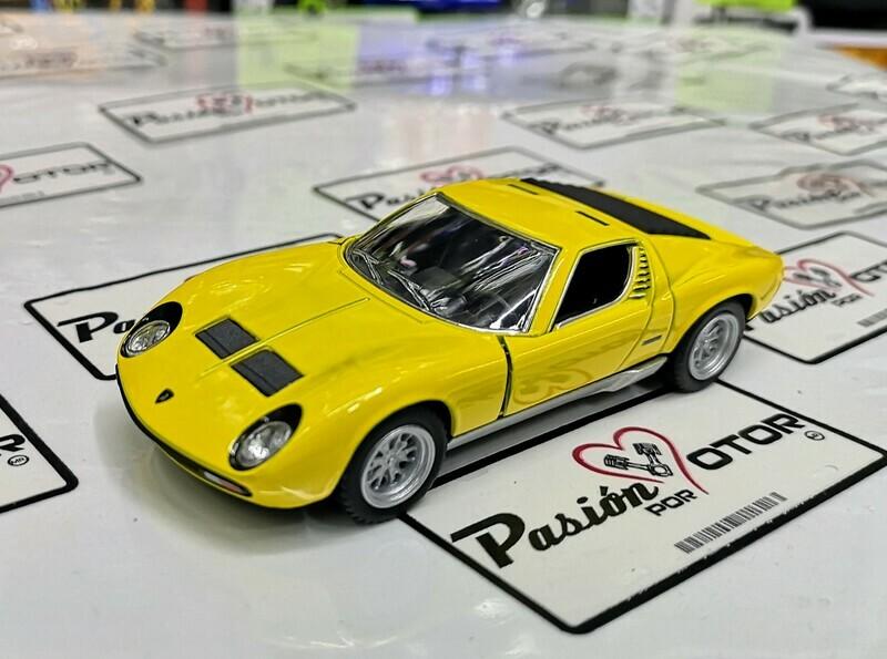 1:34 Lamborghini Miura P400 SV 1971 Amarillo Kinsmart En Display a Granel 1:32