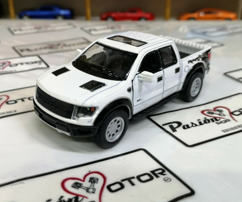 1:46 Ford F-150 SVT Raptor Super Crew 2013 Blanco Kinsmart En Display a Granel 1:43