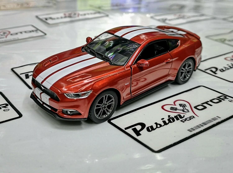 1:38 Ford Mustang GT 2015 Cobre C Franjas Kinsmart En Display / a Granel 1:32