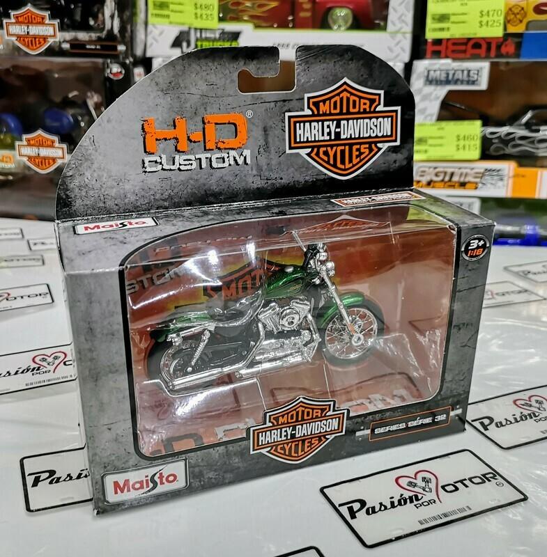 1:18 Harley Davidson XL 1200V Seventy Two 2012 Verde Maisto H-D Custom Serie 32