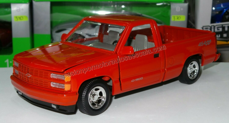 1:24 Chevrolet Pick Up 454 SS 1992 Rojo Motor Max En Display / A Granel