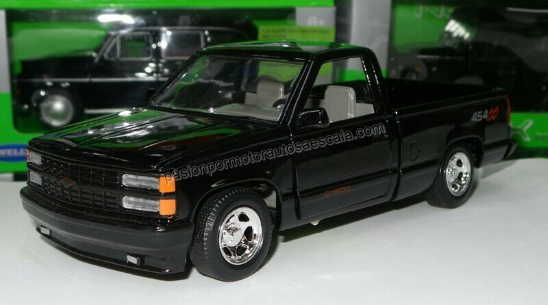1:24 Chevrolet Pick Up 454 SS 1992 Negro Motor Max En Display / A Granel