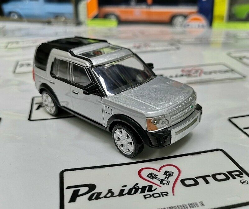 1:43 Land Rover Discovery LR3 2005 Plata Rastar Display / a Granel