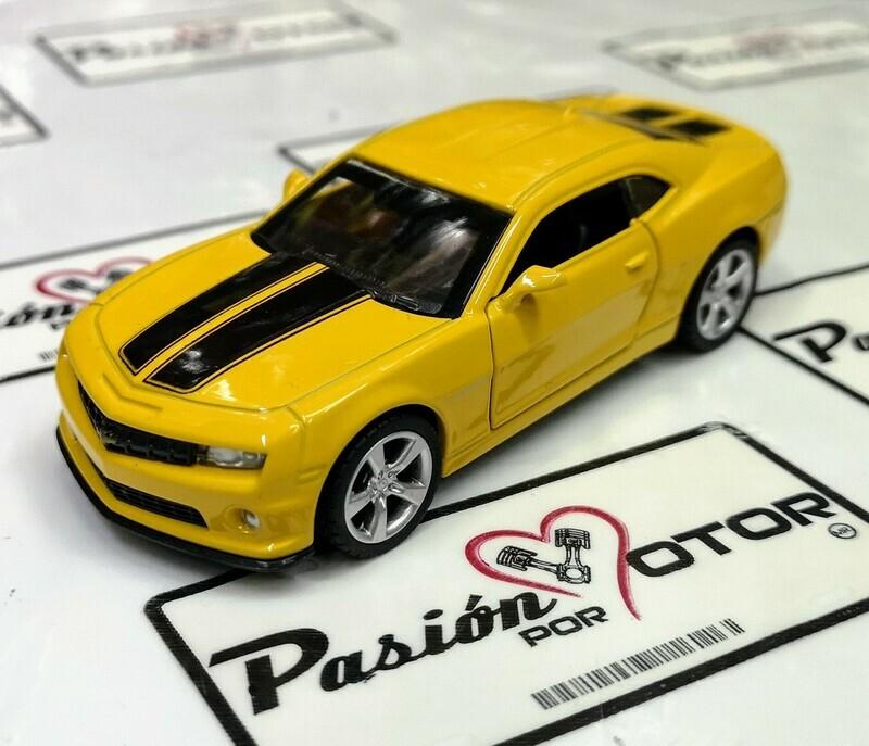 1:43 Chevrolet Camaro SS 2010 Amarillo Franjas Negras De Fricción MSZ En Display / a Granel