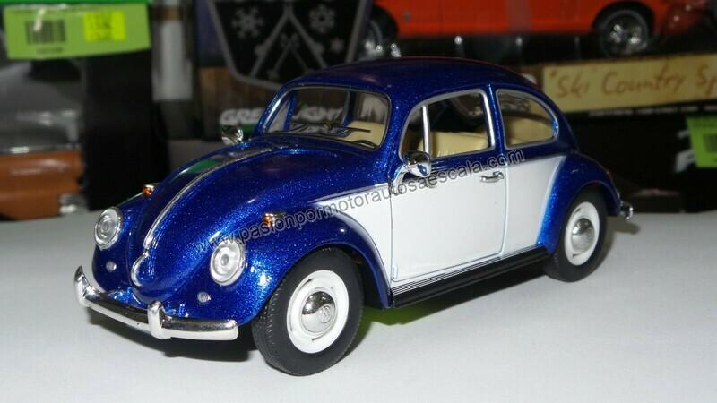 1:24 Volkswagen Beetle 1967 Classic Azul Con Blanco Kinsmart En Display / A Granel