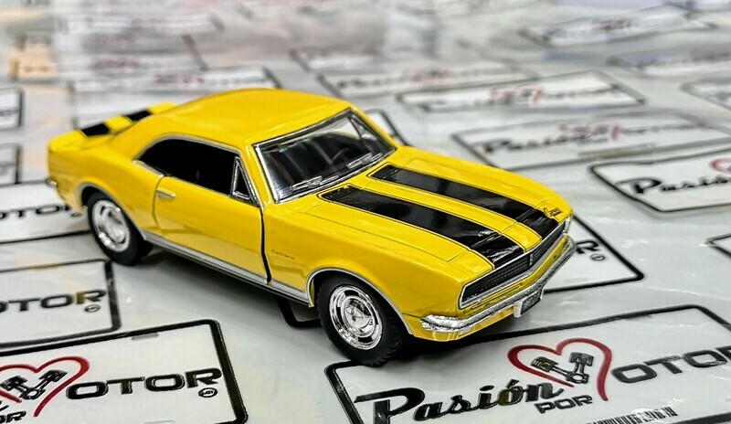 1:37 Chevrolet Camaro Z-28 1967 Amarillo Franjas Negras Kinsmart En Display / a Granel 1:32