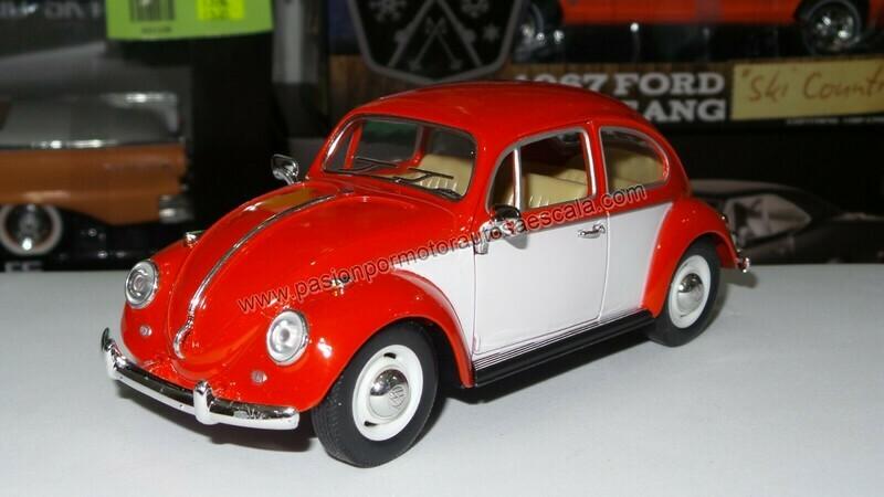 1:24 Volkswagen Beetle 1967 Classic Rojo C Blanco Kinsmart En Display / A Granel
