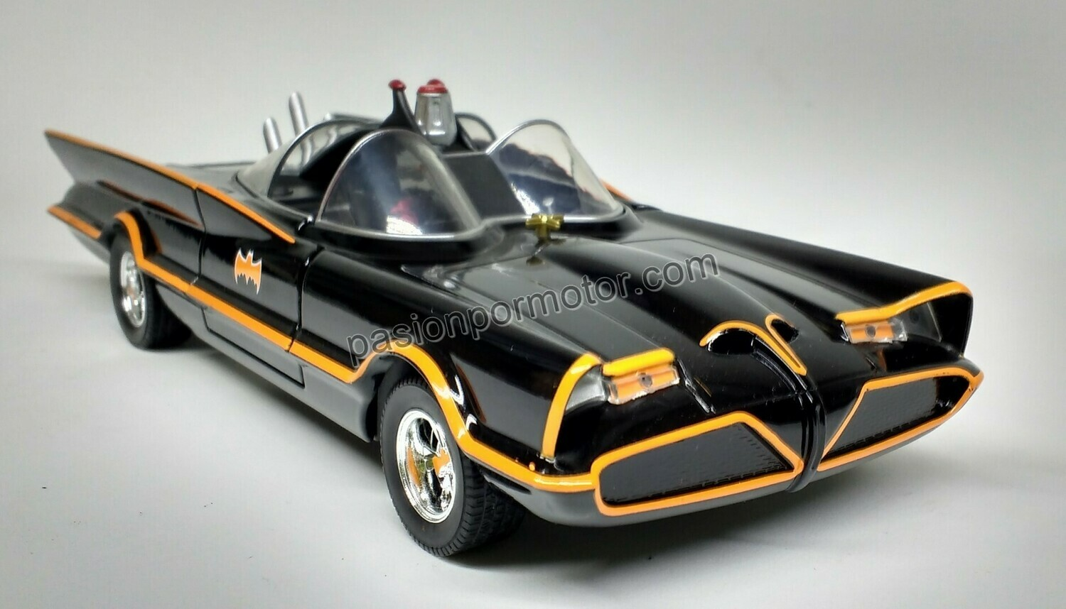 1:24 Batimovil TV Series 1966 Batman Jada Toys Metals DC Comics En Display / A Granel