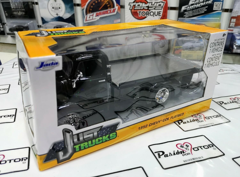 1:24 Chevrolet COE Grua Plataforma 1952 Negro Brillante Jada   Just Trucks Con Caja