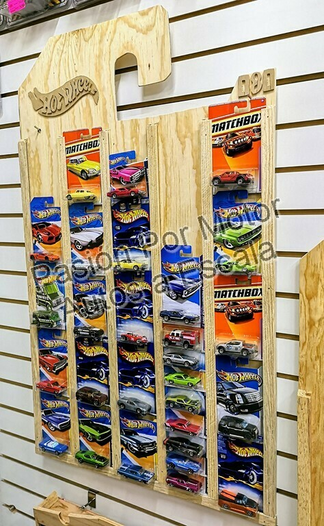 Tablero Coleccionador de Pared En Madera Para 80 Pz 1:64 Tipo Hot Wheels con Empaque / Blister