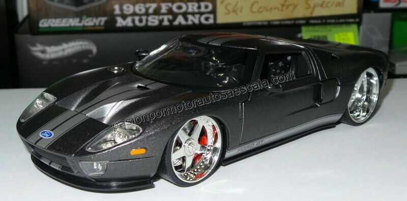 1:24 Ford GT 2005 Gris Mate Jada Toys Big Time Muscle En Display / A Granel