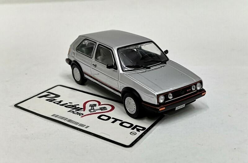 1:43 Volkswagen Golf GTI MK2 1991 Plata Ixo