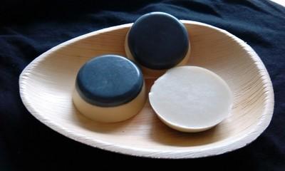 Jabón facial con carbón activo, aceite de cáñamo , aloe vera y arcilla Fullers Earth