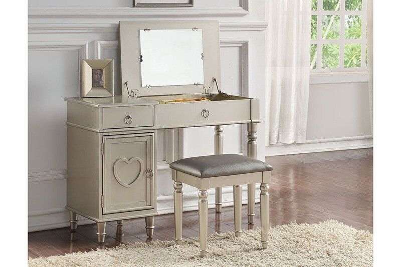 VANITY WITH STOOL IN SILVER