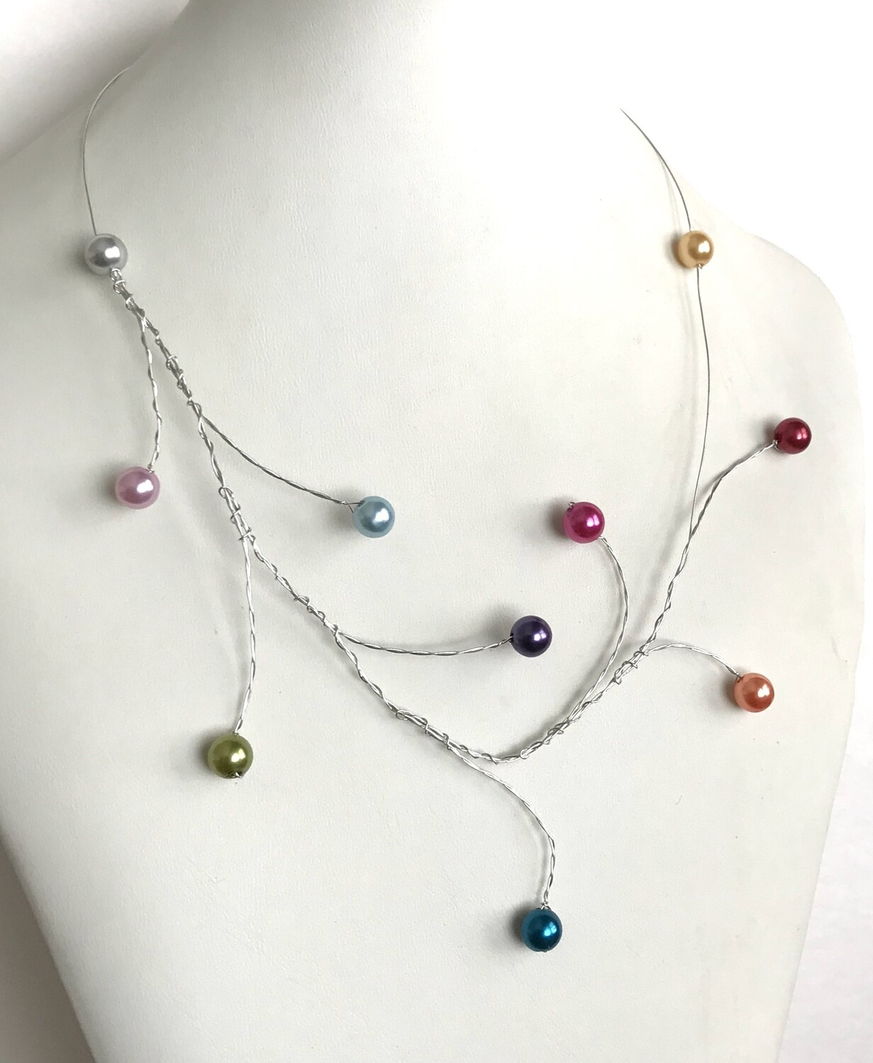 COLLIER V PERLES MULTICOLORES
