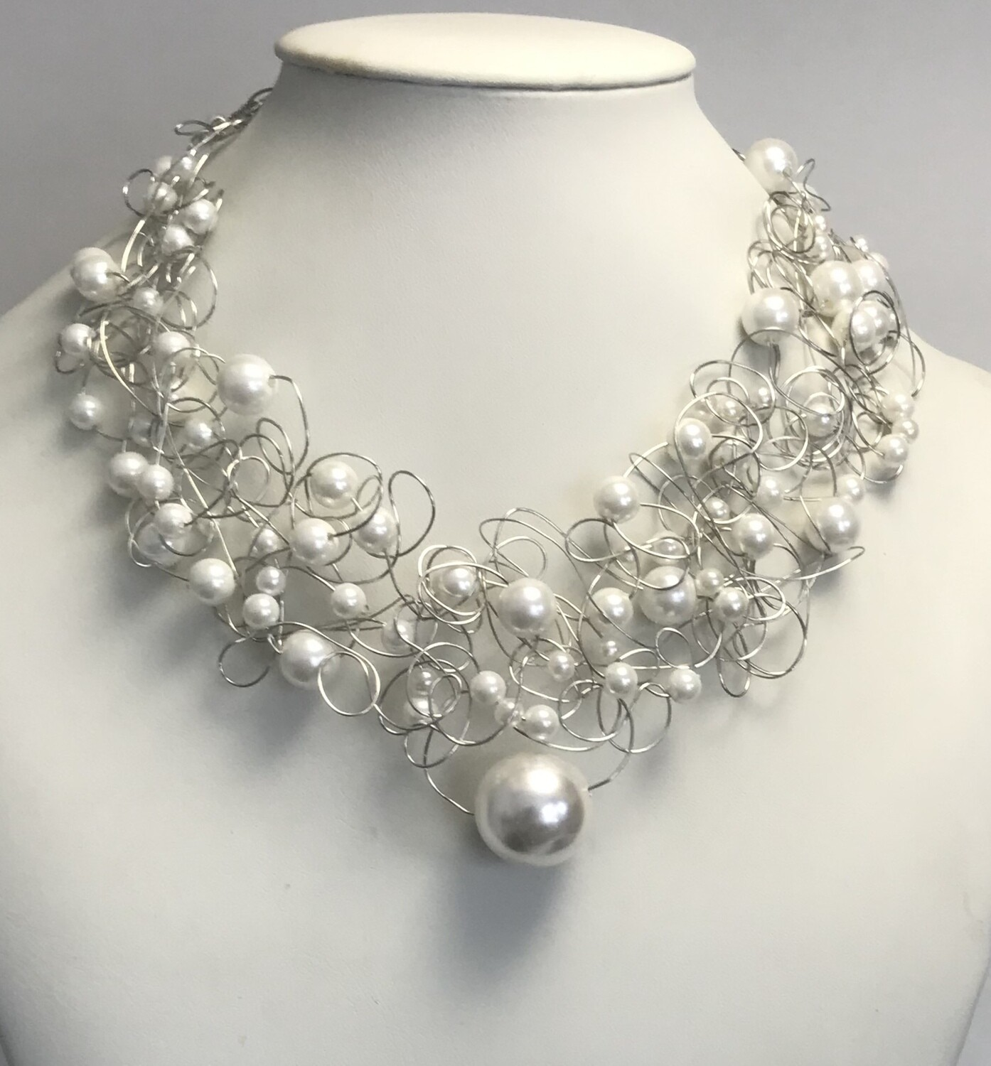COLLIER ROYAL PERLES BLANCHES
