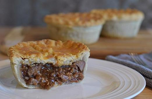 Pie Society Steak & Kidney Pie 9oz 025093278747