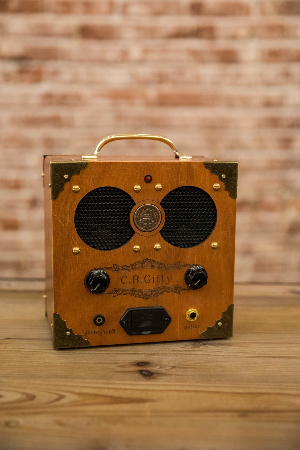 "The ""Copper Cent"" Cigar Box Amplifier"