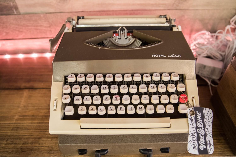'The Dylan' - Vintage Royal Safari Working Manual Typewriter