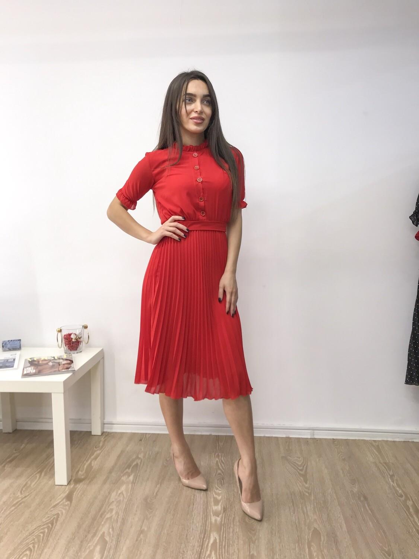 Платье миди плиссе с коротким рукавом красное