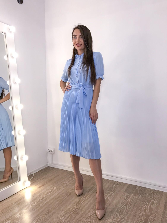 Платье миди плиссе голубое