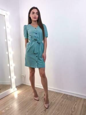 Голубое платье на пуговицах