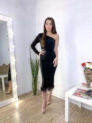Платье миди футляр с перьями