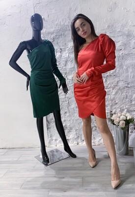 Платье атласное с одним рукавом