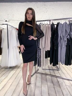Платье трикотажное с рукавом из пайеток