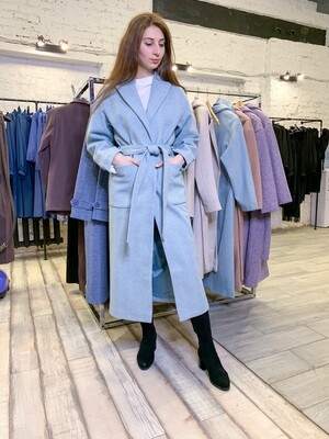 Пальто со спущенным рукавом