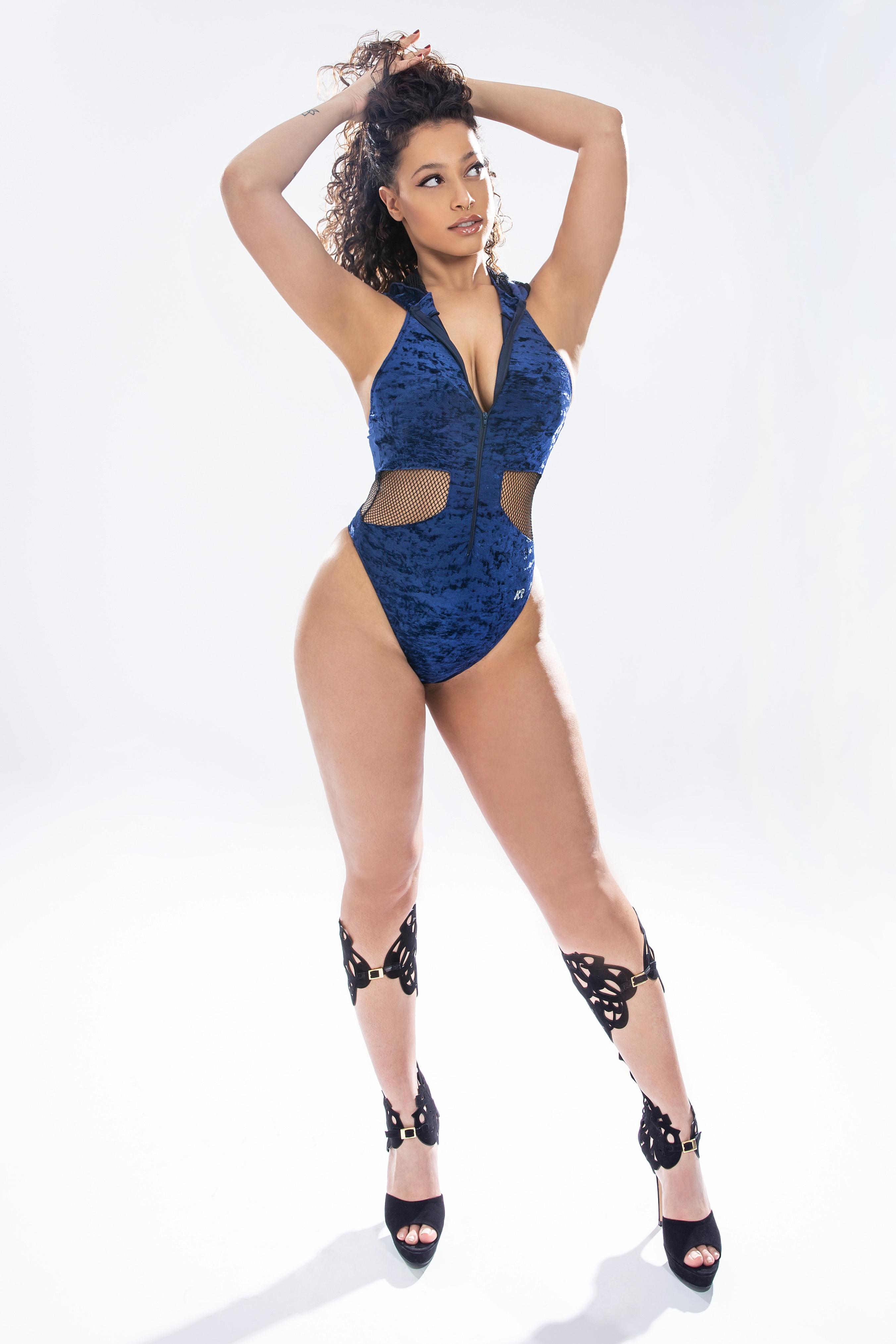 KP Body Dancer blue with hood in mesh