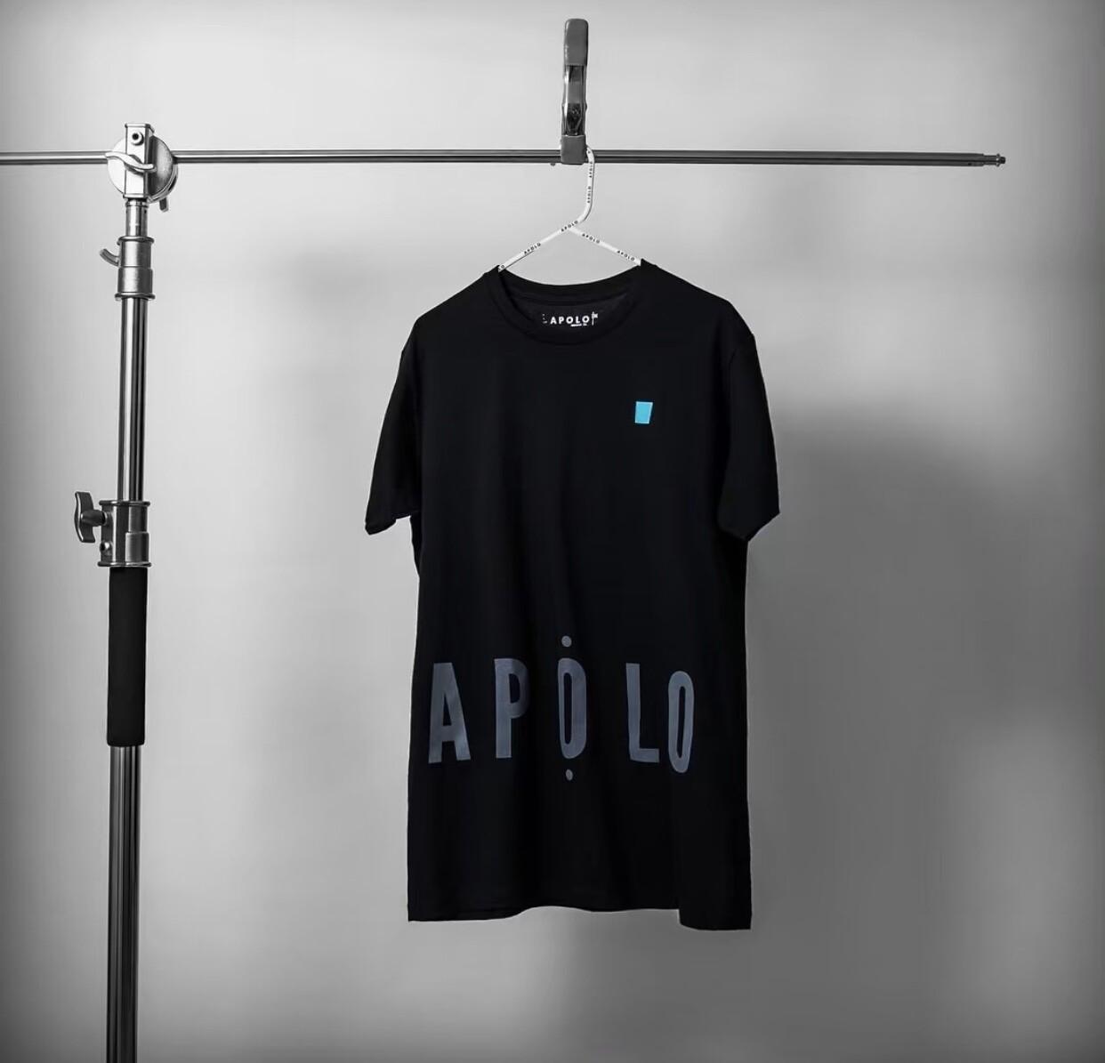 APOLO - BLACK SQUARE TEE