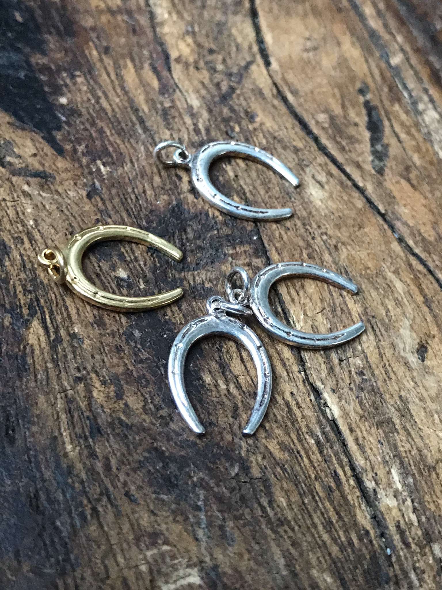 Horseshoe Charm - Brass 00105