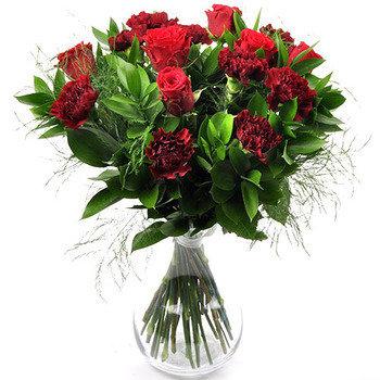 6b2bde59aa4 Külgetõmbavale naisele – Mileedi: Lillekulleriga lillede saatmine üle Eesti