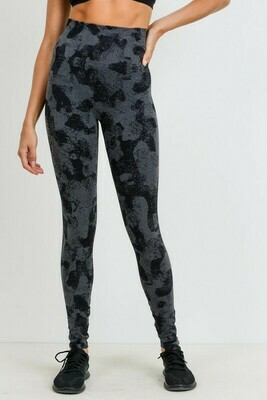 Seamless Black Striped Camo Print Leggings