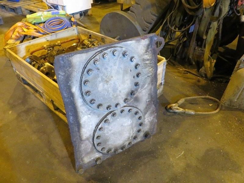 Div. utstyr - 2x mannlokk 34 cm