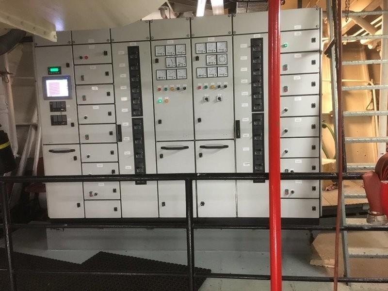 2. Elektrisk utstyr - Nyere tavle fra