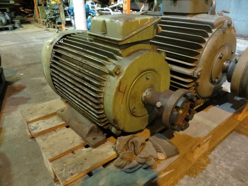4. El motorer - 45kw 220/380v 1465o/m