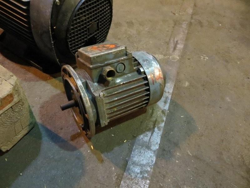 12. El motorer - 0,37kw 220/380v 1400o/m