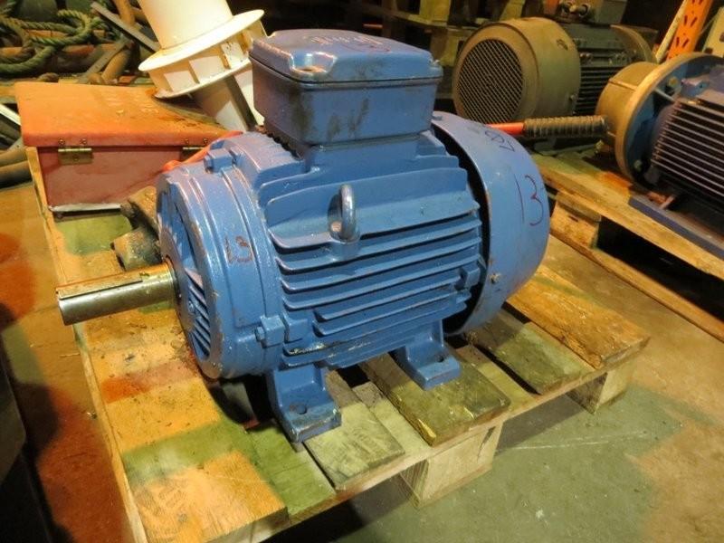 13. El motorer - 11kw 220/460v 1450o/m